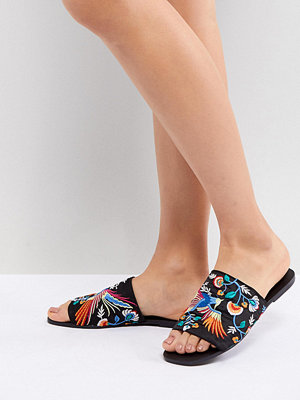 Sandaler & sandaletter - ASOS DESIGN Flute Embroidered Mules
