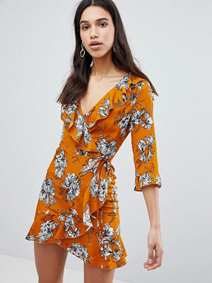 Parisian Floral Print 3/4 Sleeve Ruffle Wrap Dress