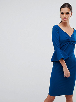 City Goddess Sweetheart Neckline Midi Dress With Bell Sleeves