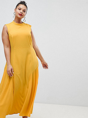ASOS Curve ASOS DESIGN Curve maxi dress with pleat detail