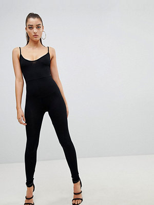 PrettyLittleThing Jumpsuit med låg rygg