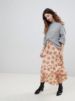 Vero Moda Floral Asymetric Ruffle Skirt - Rose tan