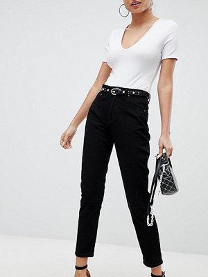 PrettyLittleThing Straight Leg Jean
