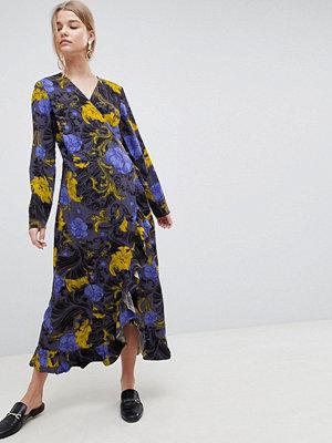 Selected Sonja Floral Wrap Midi Dress - Flower aop