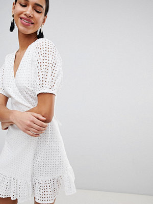 Fashion Union Wrap Dress In Broderie - White broderie