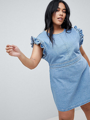 Urban Bliss Plus Ruffle Shoulder Denim Dress With V Back - Light wash blue