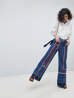 Intropia Jeans i 70-talsstil med bandrevär Denim