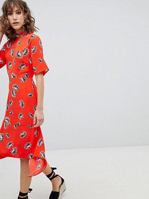 Warehouse Fan Floral Open Back Midi Dress