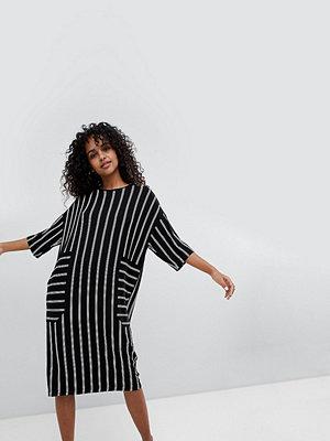 Monki Midi Stripe T-Shirt Dress - Black stripe