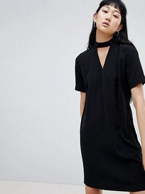 B.Young Choker Detail Dress
