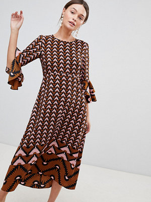 Traffic People Printed Midi Dress With Flute Sleeve - Navy/pink