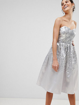 City Goddess Sweetheart Neckline Sequin Midi Dress