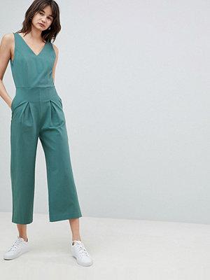 Selected Femme Jumpsuit med v-ringning och plissering