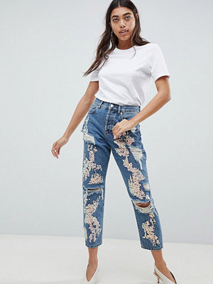 ASOS DESIGN Boyfriend Jeans In Mid Wash With Varigated Sequins - Mid wash blue