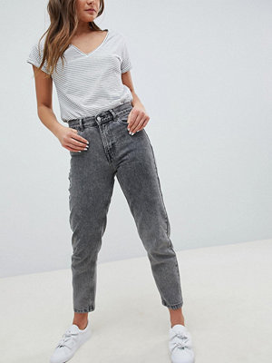 Pull&Bear Mom Jeans In Washed Grey - Washed grey