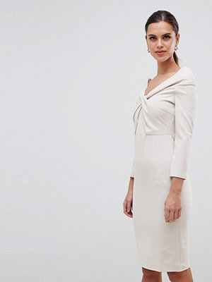 City Goddess Long Sleeved Midi Dress With Twisted Neckline - Pale pink