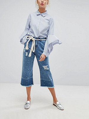 Current Air Wide Leg Cropped Jean with Unravelled Hems and Pearl Embellishment - Midwash blue