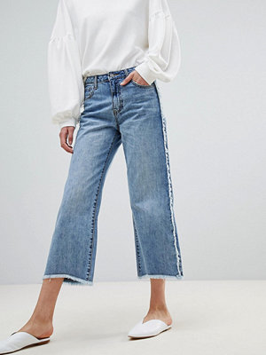 Current Air Wide Leg Jean with Raw Finish - Mid blue