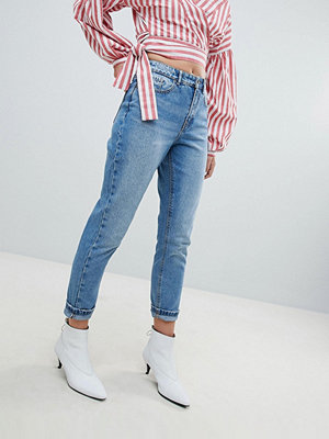 Only Tvättade mamma-jeans Mellanblå denim