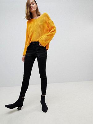 Stradivarius Jeans med smal passform och hög midja