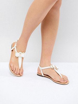 Oasis Bow Toe Post Sandals