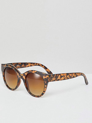 Monki Oversized Cat Eye Sunglasses