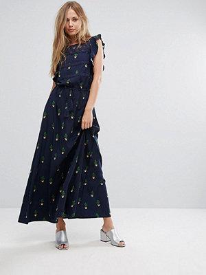 Liquorish Maxi Dress In Mini Cactus Print