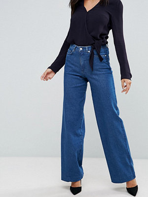 French Connection Ash Wide Leg Jeans - Washed blue tux strp