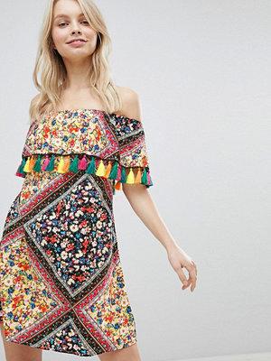 Glamorous Off Shoulder Printed Dress With Tassels - Floral tile print