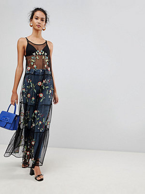 Glamorous Embroidered Mesh Maxi Dress