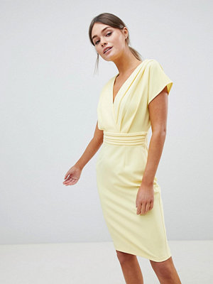 Paper Dolls Lemon Pleat Kimono Dress - Lemon