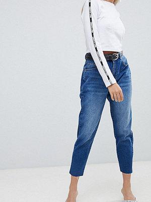 Chorus Petite Core Mom Jeans - Mid denim blue