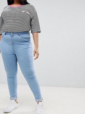 Chorus Plus Raw Hem High Rise Skinny Jeans with Rose Embroidered Pocket - Light denim blue