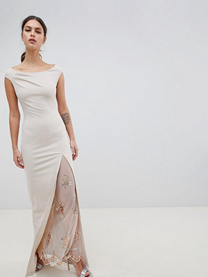 City Goddess Off The Shoulder Maxi Dress With Lace Split Detail - Pale pink