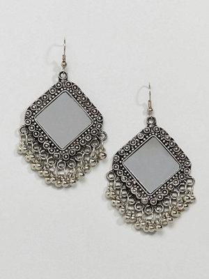 ASOS örhängen DESIGN Engraved Mirror Bead Drop Earrings