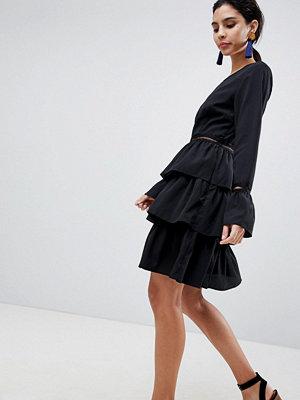 Liquorish Tiered Skirt Skater Dress