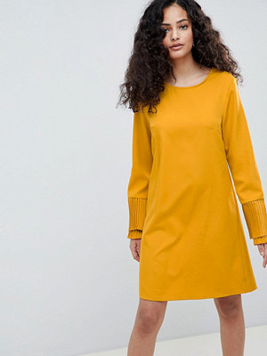 Parisian Shift Dress With Flare Sleeve - Mustard