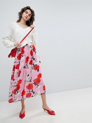 Gestuz ‒ Rosmönstrad midilång kjol Rosa rosor