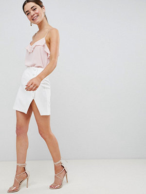ASOS DESIGN side button mini skirt with split front - Ivory