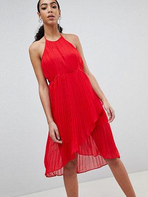 Missguided Pleated Halterneck Midi Dress