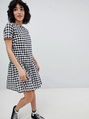 Daisy Street Gingham Dress with Pep Hem - Black