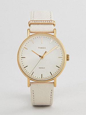 Klockor - Timex TW2R70500 Fairfield Leather Watch