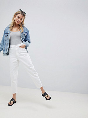 ASOS DESIGN balloon leg boyfriend jeans in optic white - Optic white