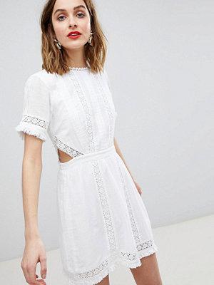 River Island Cut Out Detail Lace Skater Dress - White lace