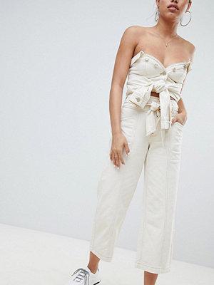 River Island Beskurna jeans med vida ben och knytning i midjan Écru