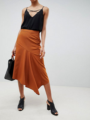 ASOS DESIGN tailored midi skirt with asymmetric waterfall detail - Tobacco