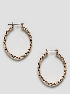 Reclaimed Vintage örhängen Inspired Twisted Oval Hoop Earrings