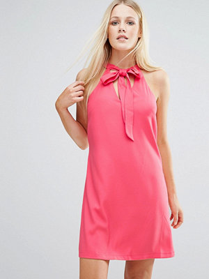 Girls on Film Tunic Dress With Keyhole Detail - Coral