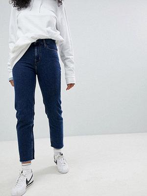 Calvin Klein Raw Hem Mom Jeans - Stoney blue