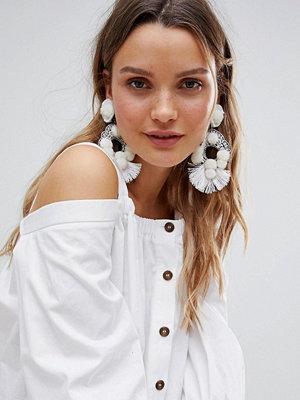 ASOS örhängen DESIGN Statement Beaded Pom Tassel Earrings